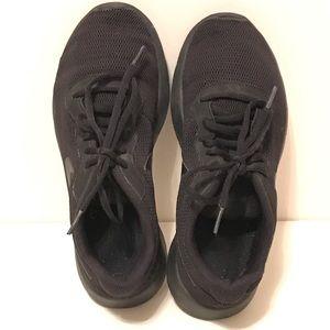 Nike Tanjun black sneakers